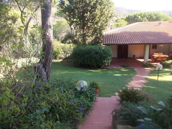 Manutenzione giardini grosseto aldo brunetti for Manutenzione giardini
